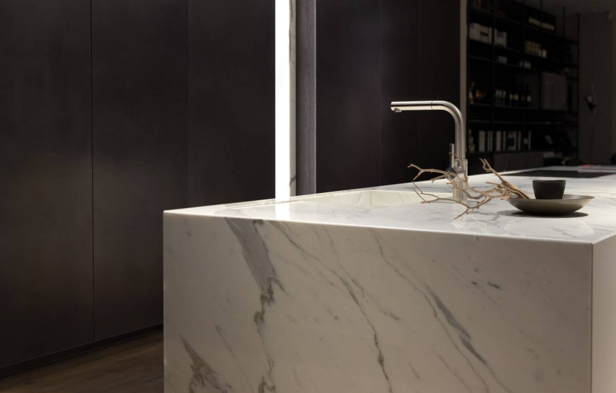 Choosing right color stone for your kitchen.